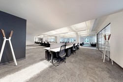 Luxury- Top Building - Office 8 / Hedge Fund