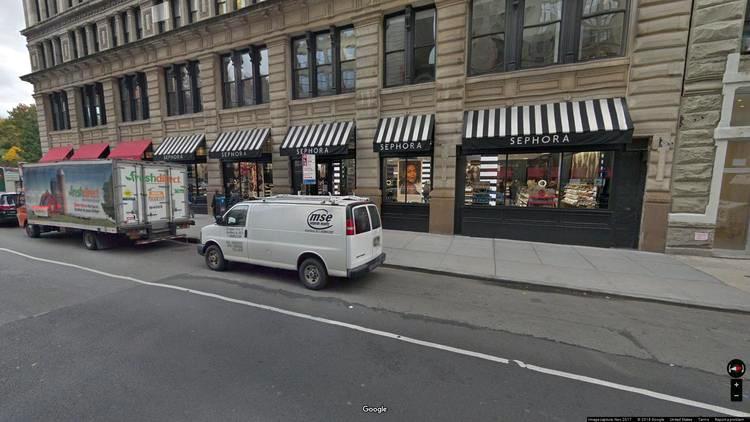 rent office 200 park avenue south