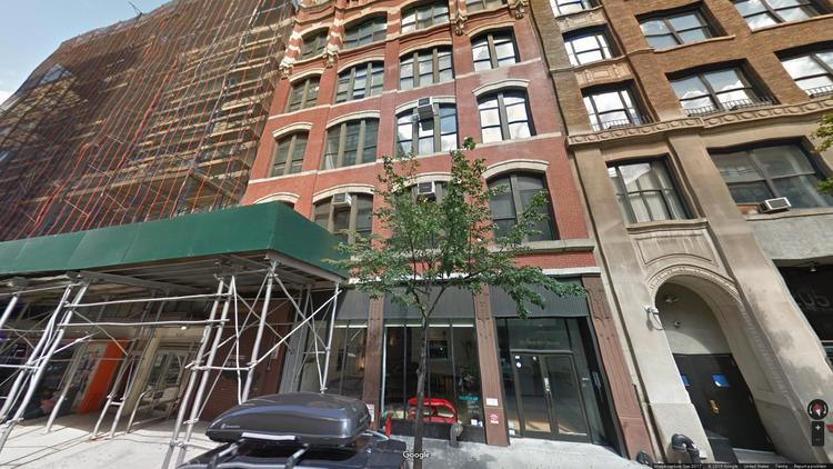 lease office 211 west 19th street