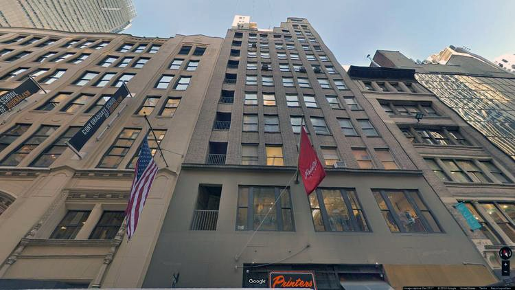 lease office 215 west 40th street