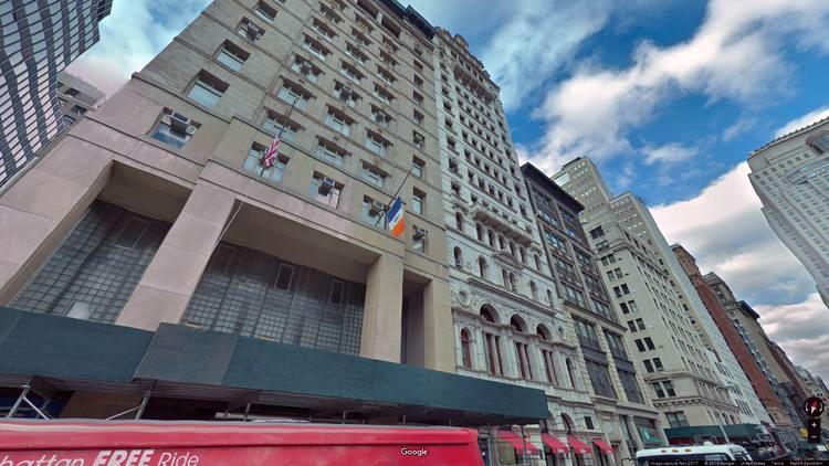 lease office 255 broadway street
