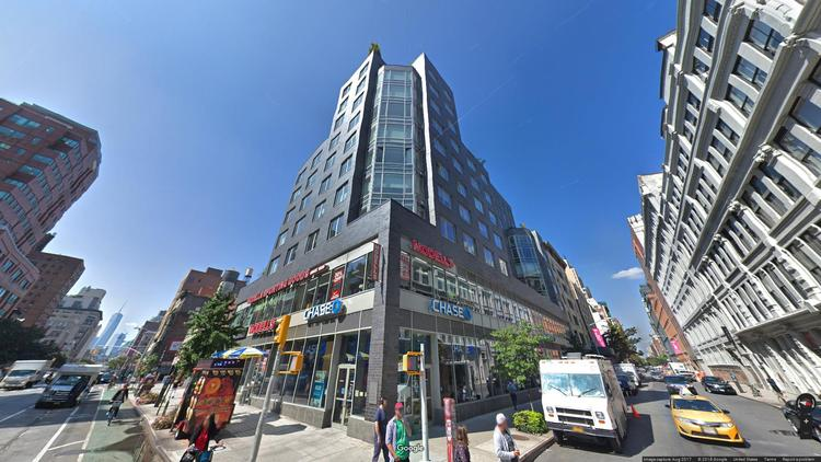 lease office 611 avenue of the americas