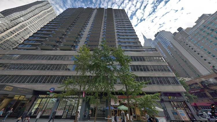 lease office 980-990 avenue of the americas